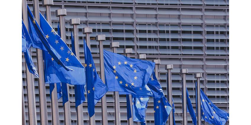Десять стран ЕС заявили об ограничении прав человека из-за пандемии