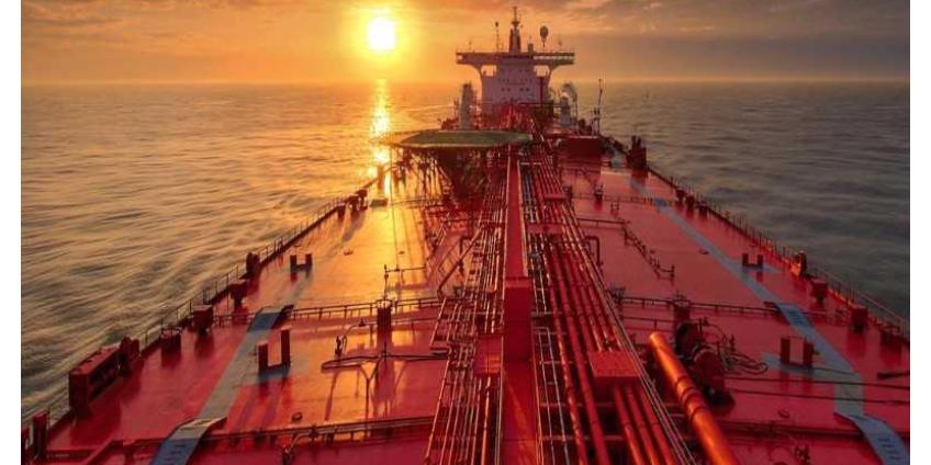У побережья Калифорнии продолжает расти количество танкеров с нефтью