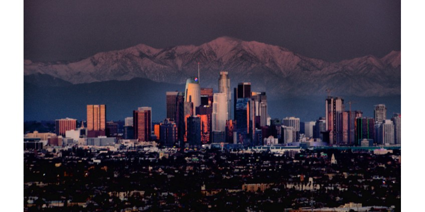 В округе Лос-Анджелес зарегистрировано более 50 новых случаев смерти от коронавируса