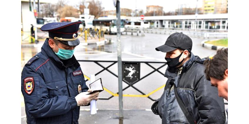 Опрос: почти две трети россиян поддержали бы жесткий карантин и введение режима ЧП