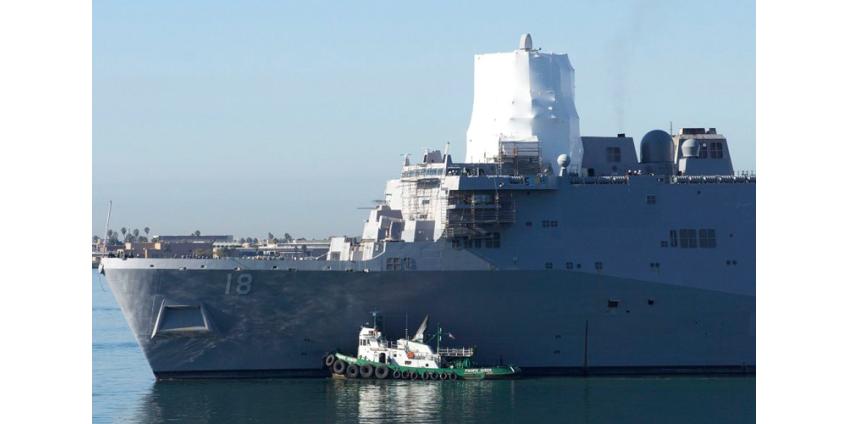На военно-морскую базу в Сан-Диего прибыл эсминец, на котором произошла вспышка COVID-19