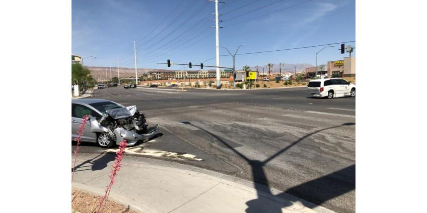 Полиция Лас-Вегаса сообщает о расследовании аварии со смертельным исходом