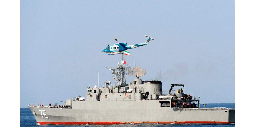 Иранский фрегат Jamaran во время учений потопил ракетой Noor дружественный катер