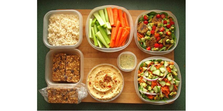 В Лос-Анджелесе будут доставлять 3-х разовое питание для определенных категорий граждан