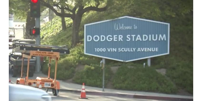Крупнейший в округе Лос-Анджелес центр для тестирования на коронавирус открылся на стадионе Dodger