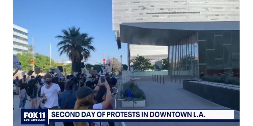 Две ночи подряд в Лос-Анджелесе проходили акции протеста против жестокости полиции