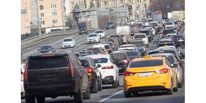 В Москву вернулись автомобильные пробки докарантинного уровня