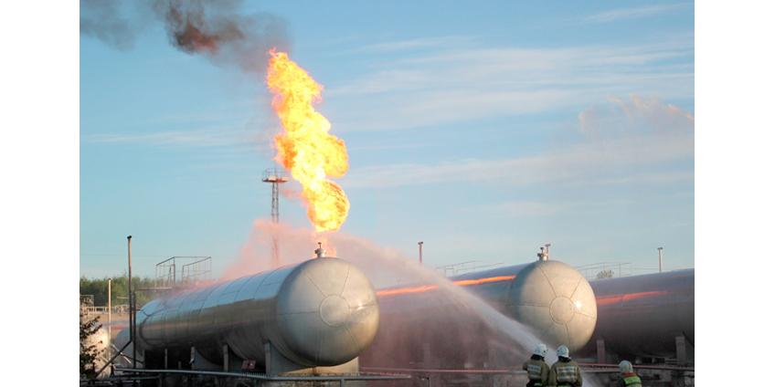 В Казани произошел взрыв и пожар на газораспределительной станции, погиб один человек, введен режим ЧС