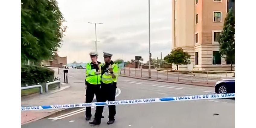 Вооруженный ножом человек напал на людей в британском Рединге