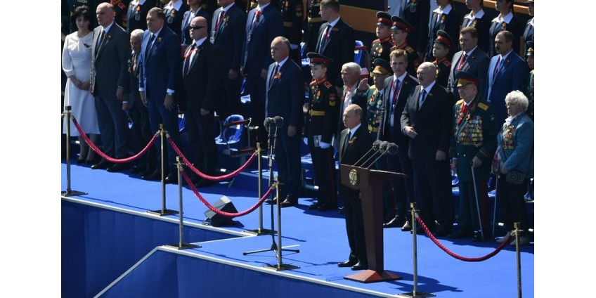 Владимир Путин принял парад Победы на Красной площади