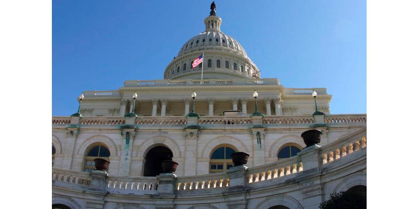 Сенат США единогласно одобрил законопроект, позволяющий вводить санкции против китайских чиновников