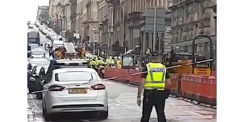 В Глазго три человека погибли в результате нападения мужчины с ножом