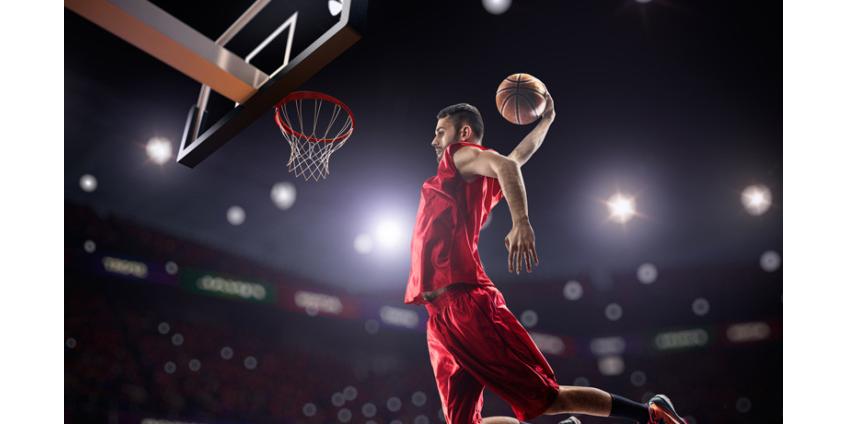 Матчи НБА хотят транслировать с задержкой, чтобы вырезать мат игроков