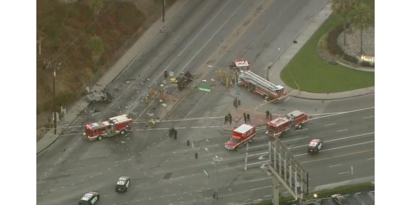Один человек погиб, еще один серьезно пострадал в результате ужасной аварии в Калвер-Сити