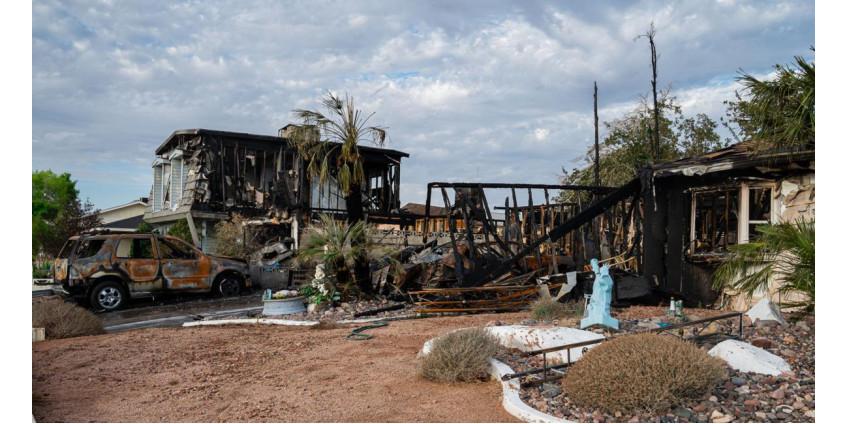 На северо-западе Лас-Вегаса пожар уничтожил два дома, ранения получили трое