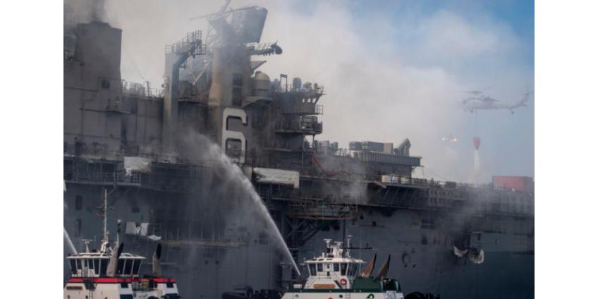 Спустя четыре дня пожар на корабле в Сан-Диего удалось потушить