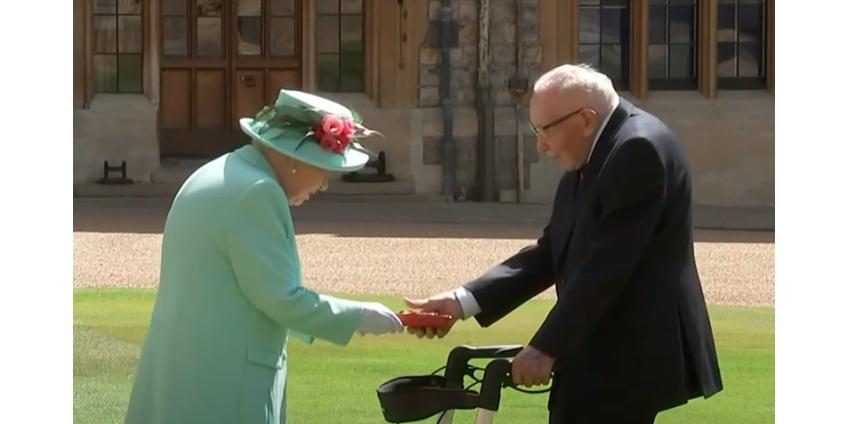 Елизавета II посвятила в рыцари 100-летнего ветерана, собравшего более 32 млн фунтов для врачей