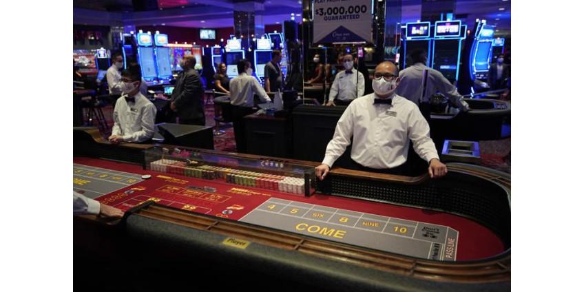 Вновь открывшиеся казино Невады сообщают о снижении выигрышей на 45,5% в июне