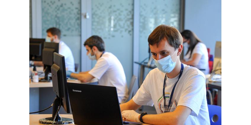 В новом учебном году студентов и преподавателей без антител к COVID обяжут носить маски