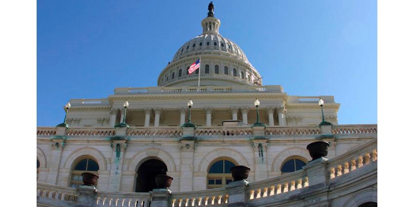 """В Сенате США заявили о """"приказе"""" Путина взломать компьютеры Демпартии"""