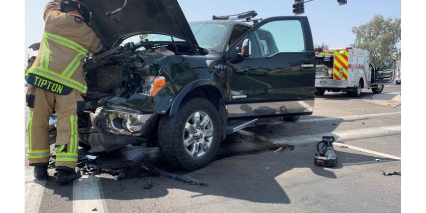 Семь человек, в том числе четверо детей, пострадали в автокатастрофе в пригороде Финикса