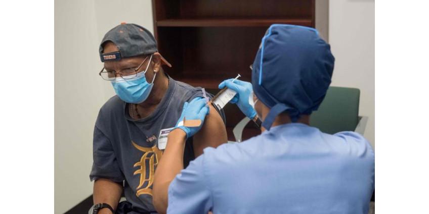 Половина добровольцев на испытаниях вакцины от COVID-19 в Лас-Вегасе получают вторую дозу