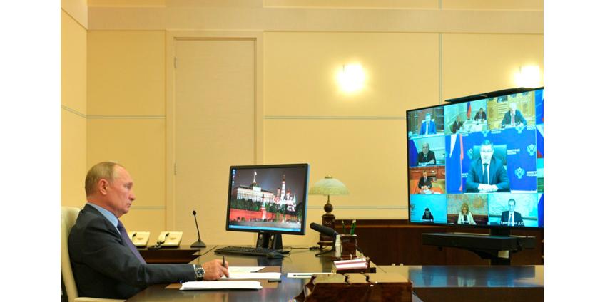"""Путин рекомендовал """"аккуратно и тактично"""" вводить """"необременительные меры"""" против COVID-19"""