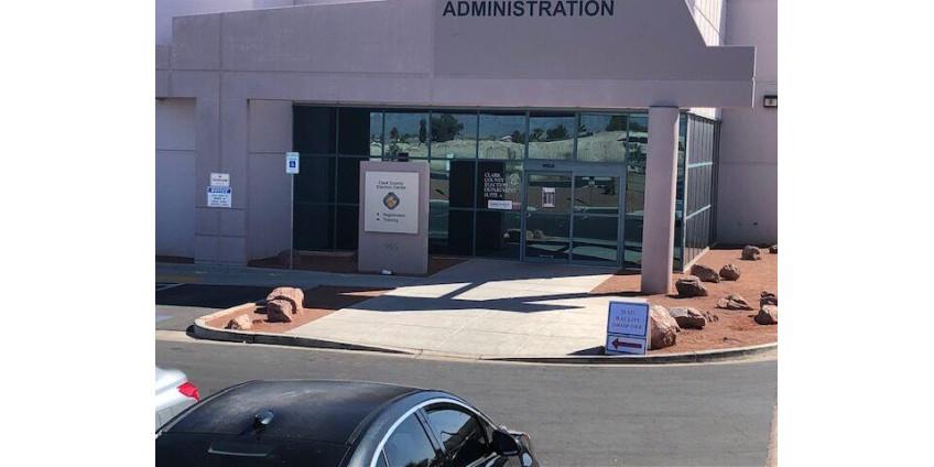 Избирательное бюро округа Кларк в Северном Лас-Вегасе эвакуировали из-за подозрительного вещества