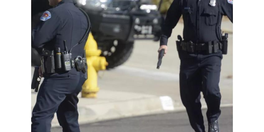 Полиция ведет переговоры с подозреваемым, забаррикадировавшимся в доме в центре Сан-Диего