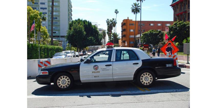 Полиция сообщает, что в южном Лос-Анджелесе ведется расследование убийства