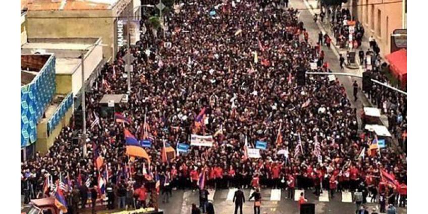 Тысячи армян прошли маршем по западу Лос-Анджелеса
