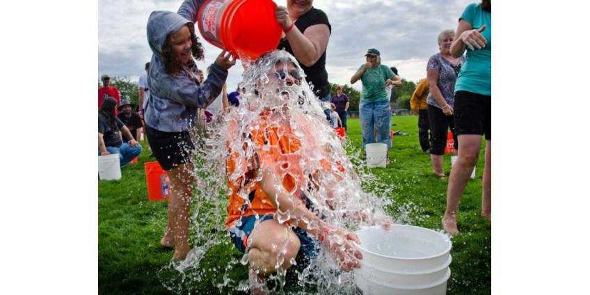 В США умер 37-летний Патрик Куинн - один из вдохновителей флешмоба Ice Bucket Challenge
