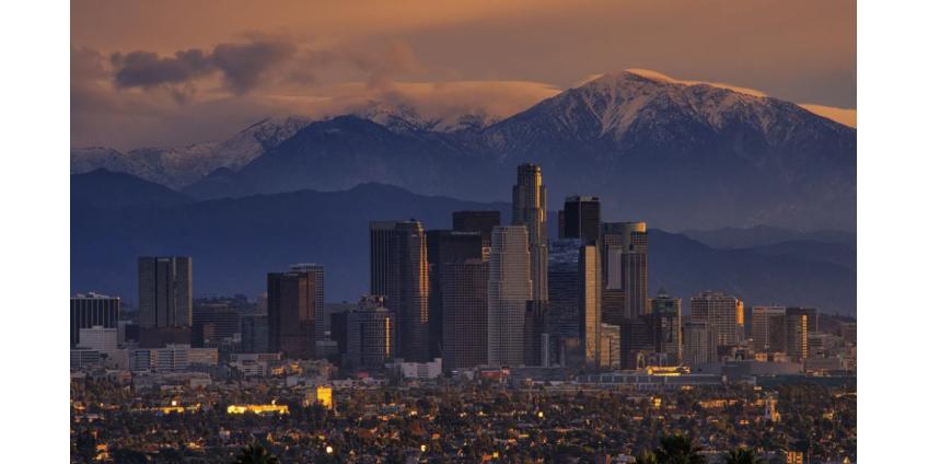 С понедельника в Лос-Анджелесе вступает в силу 3-недельный приказ «безопаснее дома»