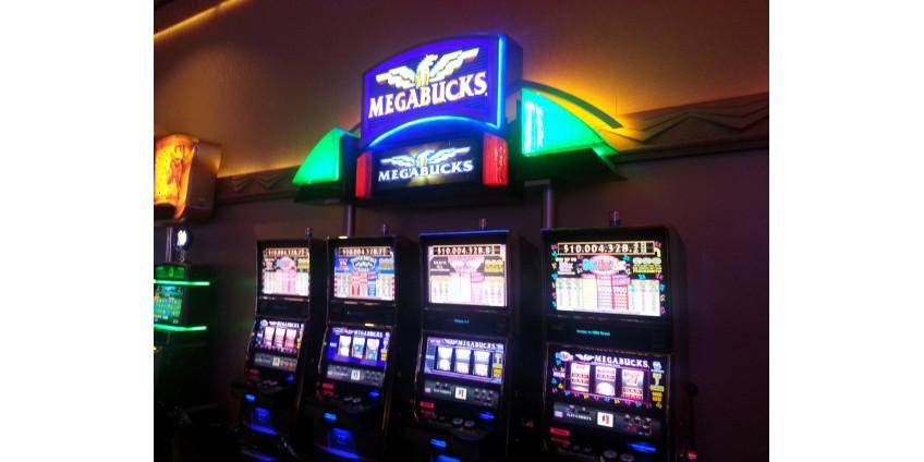 Удачливый игрок выиграл $15 млн на автомате Megabucks в Suncoast Hotel & Casino
