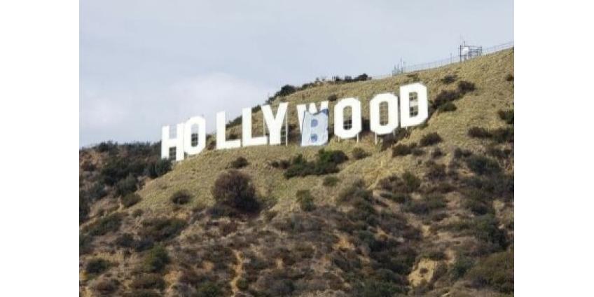 В Лос-Анджелесе надпись Hollywood превратили в Hollyboob