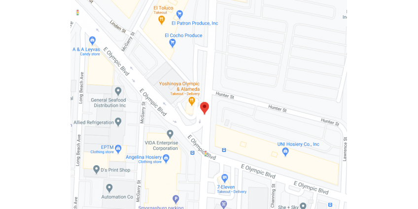 В центре Лос-Анджелеса автомобиль столкнулся с полуприцепом