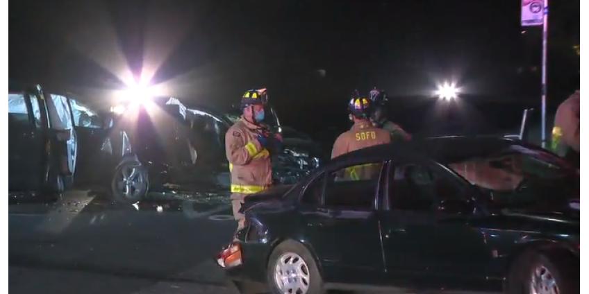 8 пострадавших, в том числе дети, в результате аварии нескольких автомобилей в районе Кенсингтона