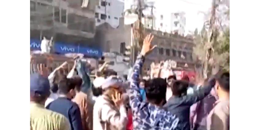 В Пакистане заблокировали работу интернета на фоне массовых исламистских протестов