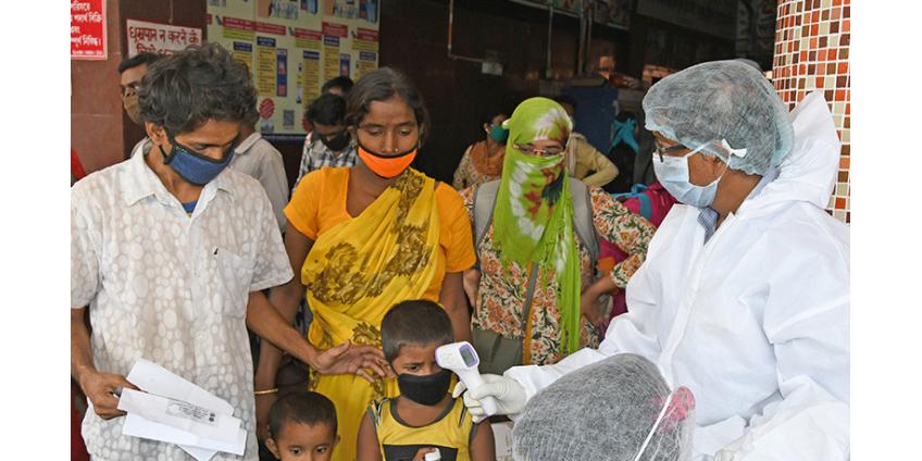 В Индии вновь мировой рекорд зараженных COVID - более 400 тысяч в сутки