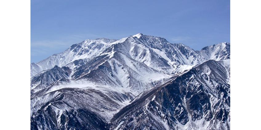 В Бурятии под лавину попали пять туристов