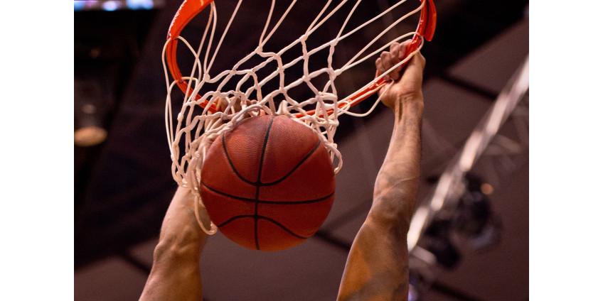 """""""Милуоки"""" победил """"Бруклин"""" в матче серии плей-офф НБА"""