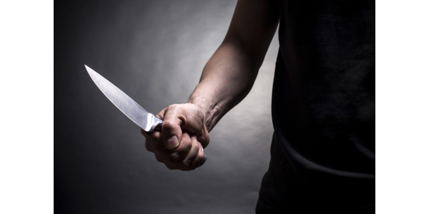 10 ножевых ранений получил мужчина на парковке в Маунтин-Вью