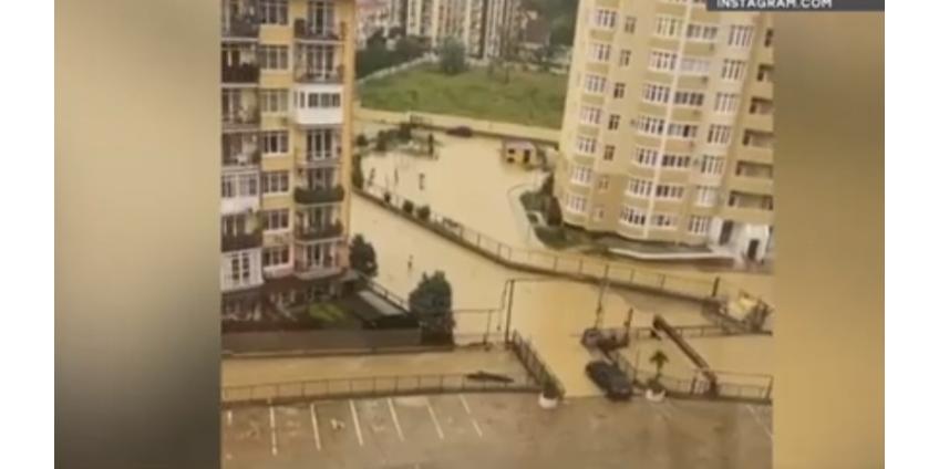 Ураган в Сочи: курортный город ушел под воду