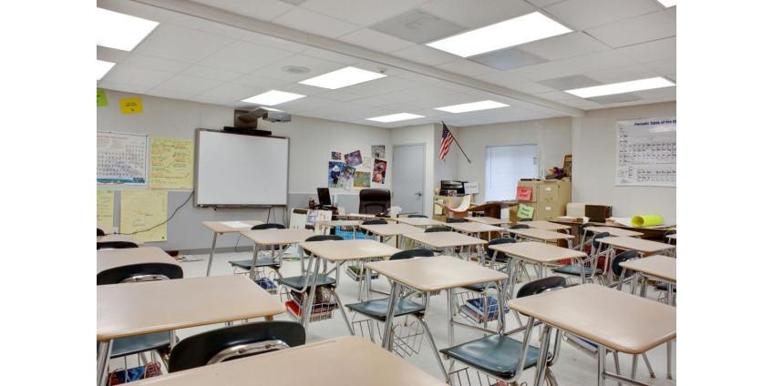 Школу в Теннесси заблокировали после сообщений о вооруженном человеке внутри