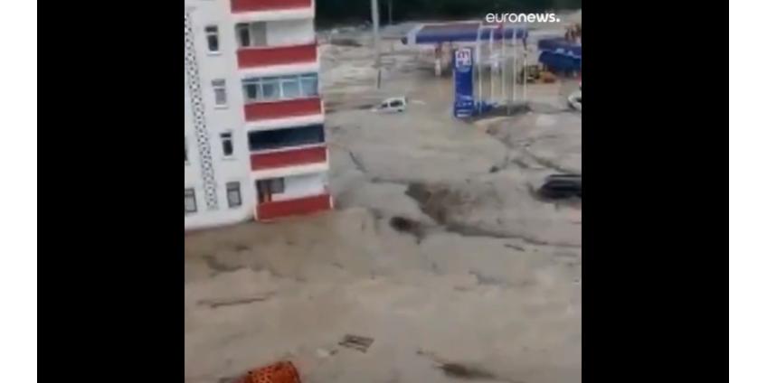 Число погибших из-за наводнения в Турции выросло до 27