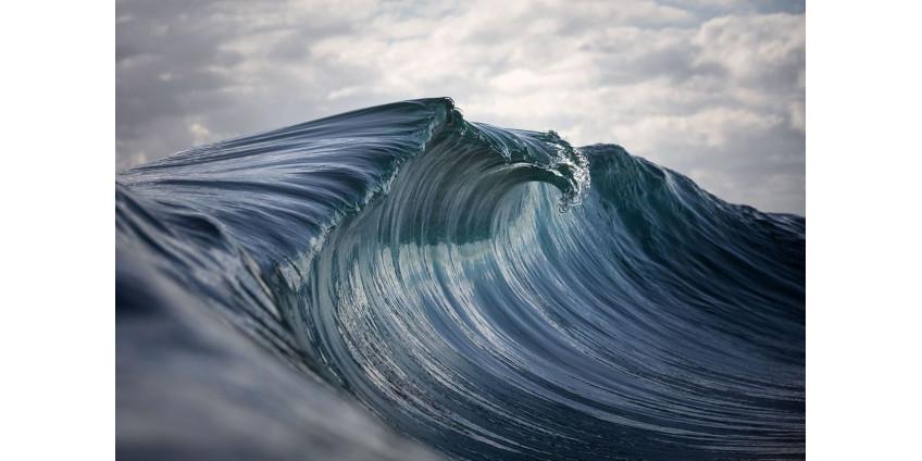 Высокие приливы и большие волны угрожают домам и пляжам по всему побережью округа Лос-Анджелес