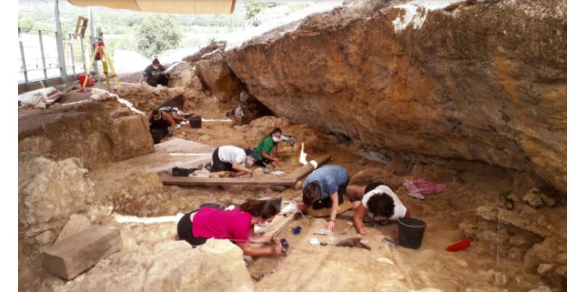 Археологи нашли в Испании крупнейший охотничий лагерь неандертальцев