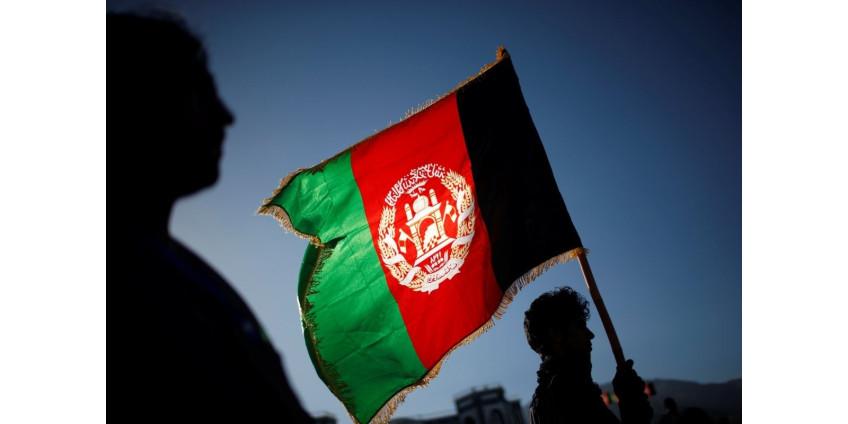 Округ Лос-Анджелес обещает поддерживать афганских беженцев, которые бежали, опасаясь возмездия талибов