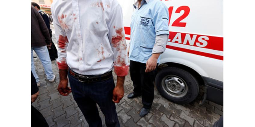 При столкновении поезда и автобуса в Турции погибли шестеро человек